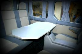 Столик в автомобиль, столик в микроавтобус, боковой столик в авт